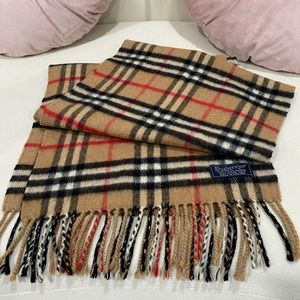 Burberry Classic scarf/ wrap